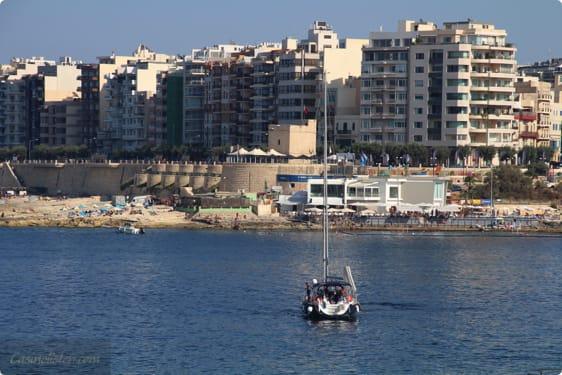 Prøv en sejltur rundt om Malta