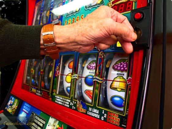 Sådan nyder du et spil på casinoernes spilleautomater